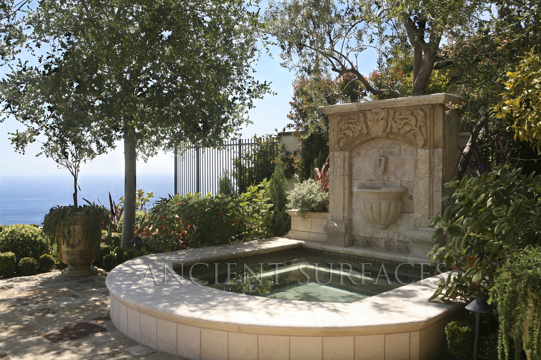 Antique stone fountains brought to you by for Architecture antique